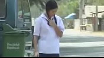 """>หนังโป๊ไทยแนวนักเรียนเย็ดกันเรื่อง """"คาบสอง คอซอง"""" สาวมอปลายถูกสวิงกิ้งในคืนงานเลี้ยง โดนเวียนเย็ดคาชุดนักเรียนด้วยความเมาผสมเงี่ยนด้วยแหละ"""