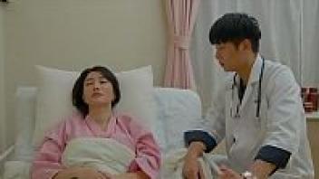>หนังอาร์เกาหลี Risque Hospital 2019 หมอหนุ่มโอปป้าแอบเย็ดคนไข้ที่เป็นแฟนของรุ่นพี่ เอาหีตอนติดเตียงรอบเดียว ถึงกับต้องนัดเย็ดต่อที่บ้าน