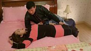 >หนังเอ๊กเกาหลีติดเรทRอีโรติกเรื่อง Mom Lover 3 คุณแม่ยอดรักเย็ดผัวไม่ซ้ำหน้า พามาเย็ดในบ้านร้องครางไม่เกรงใจลูกชาย-ลูกสาวเลย
